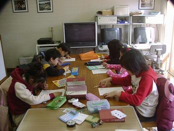 小学生英語の授業風景(3)